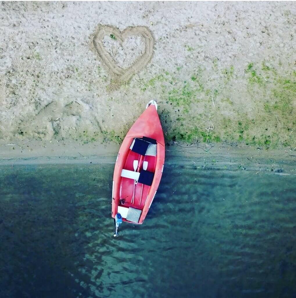 Bruiloftbootje strand